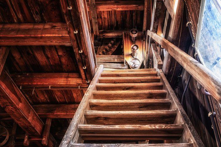 Oblíbenost dřeva pro výrobu schodiště