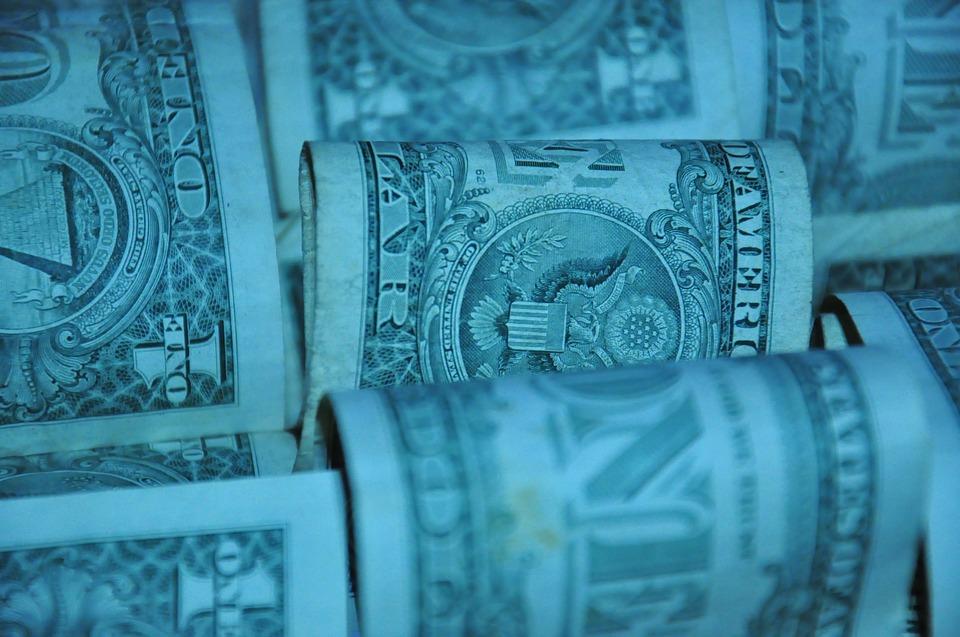 pokroucené dolary